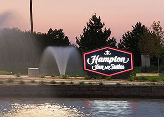 Hampton Inn & Suites Sign